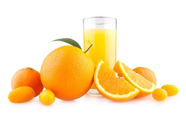 オレンジ柑橘類とオレンジジュース