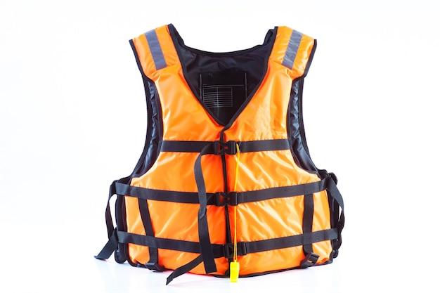 オレンジ色の救命胴衣の隔離されたベストは元に戻され、隔離されました。