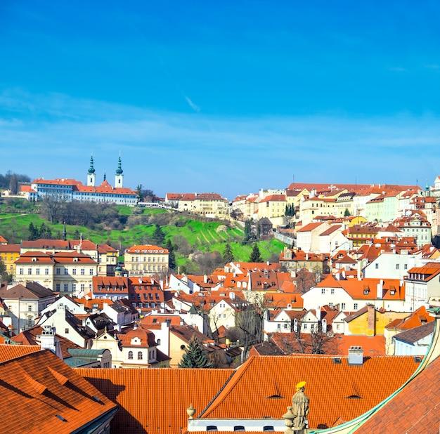 Оранжевые крыши старой праги и страговский монастырь