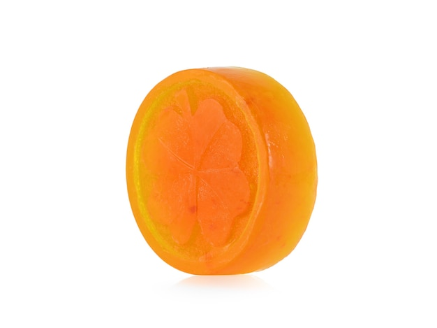 오렌지 비누 흰색으로 격리합니다.
