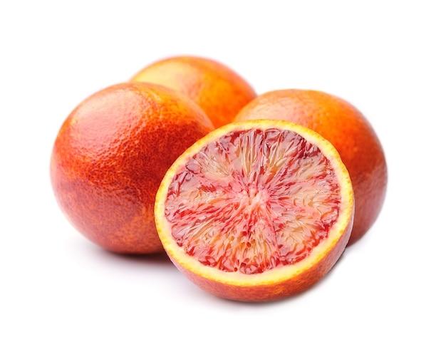Изолированные плоды апельсинов.