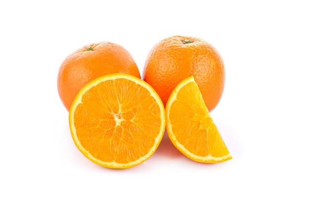 Изолированные апельсины