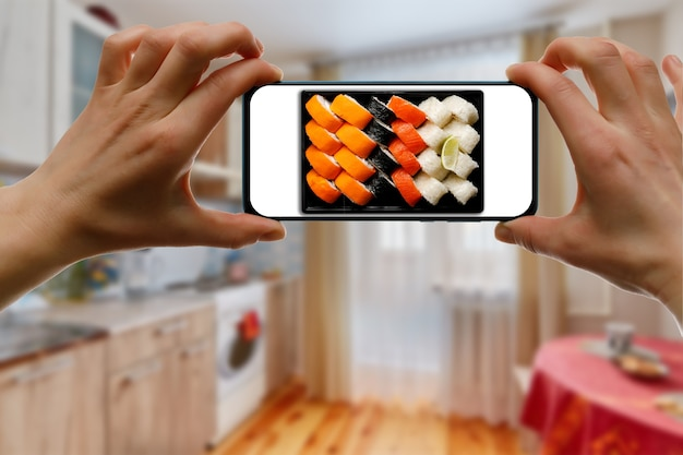 Order sushi set via the mobile app on your smartphone from home.