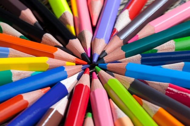 평범한 색연필