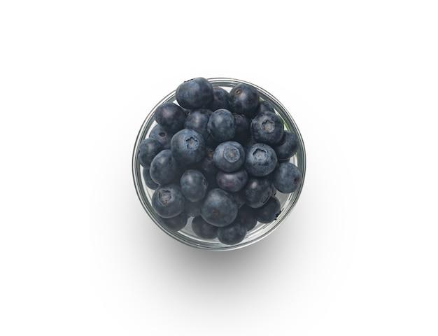 흰색 배경 위에 분리된 투명한 그릇에 유기농 블루베리가 있습니다. 복사 공간
