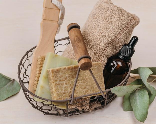 Органическое масло для тела в корзине