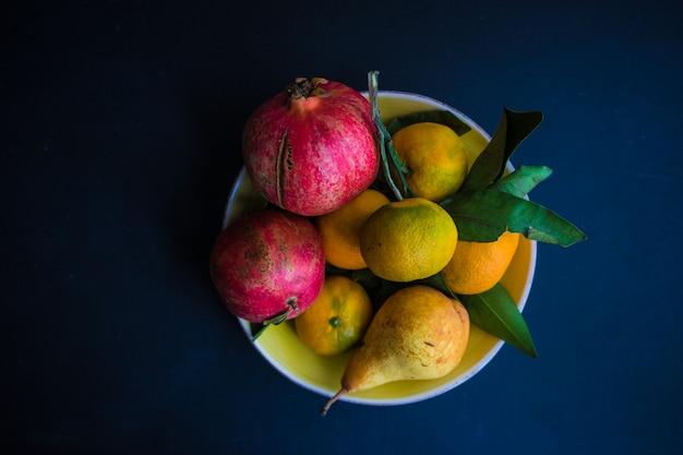Органические сезонные фрукты