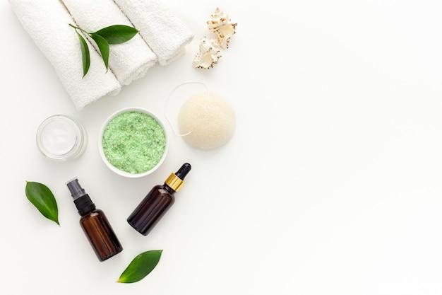 Органическая спа-косметика с маслом чайного дерева и морской солью