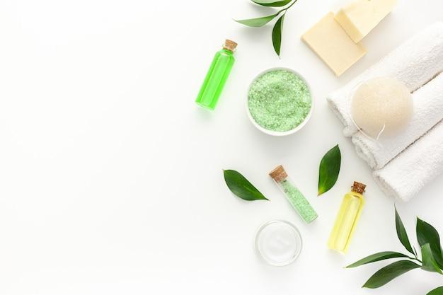 ティーツリーオイルと海塩を使ったオーガニックスパ化粧品