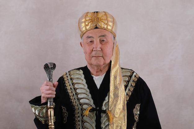 中東出身の東洋の支配者スルタン・シャー・パーディシャー・カーン・パシャ・カリフ