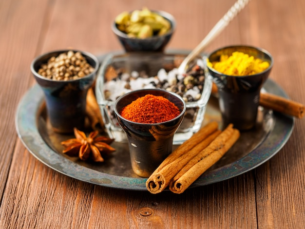 Oriental spice set - coriander, red pepper, turmeric, cinnamon, star anise, rosemary