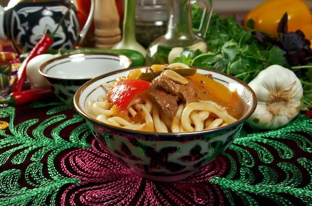 Восточно-узбекский суп лагман - среднеазиатская кухня