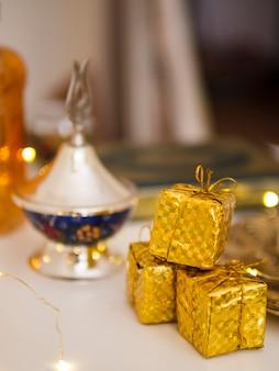 Ornamental mini gift boxes