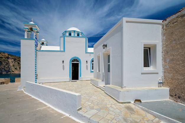 ギリシャ、ミロスのフィラポタモス村の正教会