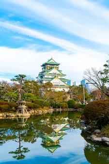 Замок осаки в осаке, япония