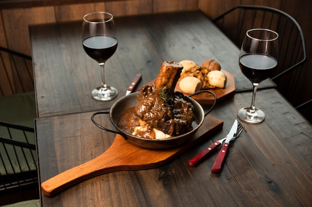 Osso buco with red wine