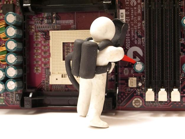 私たちのマスターはすべてのコンピューター機器を修理します