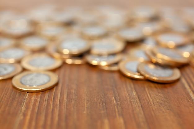 Не в фокусе монеты для фона