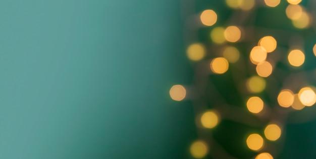 복사 공간이있는 새해 크리스마스 배경 조명의 초점 포인트