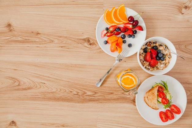 건강 한 아침 식사 재료의 오버 헤드보기