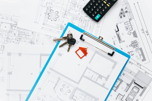 Вид сверху поставок недвижимости на стол