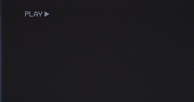 Tv 깜박임 안테나 노이즈가 있는 오래된 손상된 vhs 테이프 오버레이: 재생. 현대 비디오를 위한 멋진 복고풍 빈티지 배경입니다.