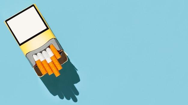 コピースペース付きタバコのパック