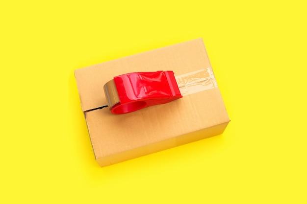 段ボール箱の包装テープディスペンサー。上面図