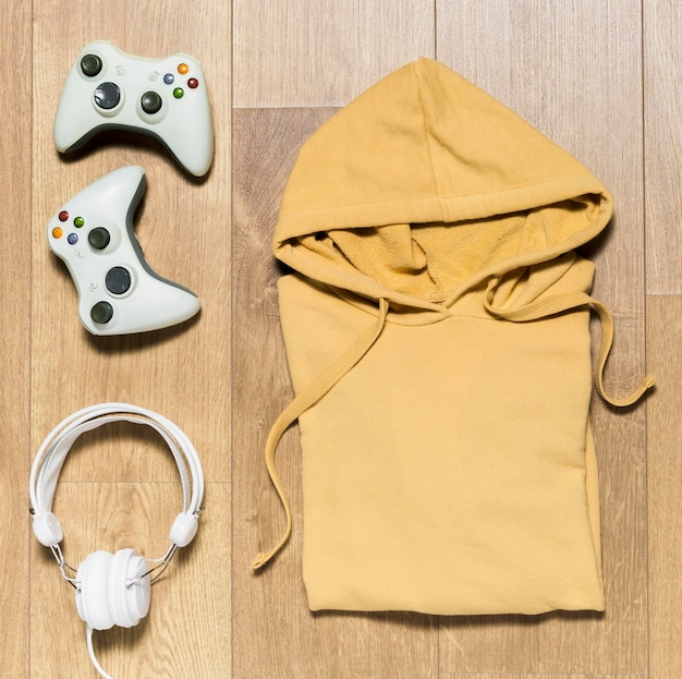 Packed hoodie with headphones