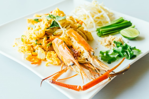 Pad thai noodles with jumbo prawn