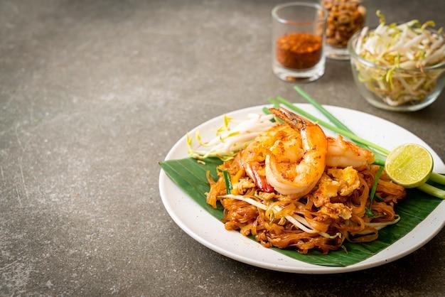 Pad thai - stir-fried rice noodles with  shrimp - thai food style