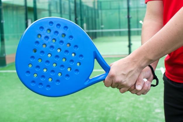 Теннисная ракетка padel без бренда, также известная как паддл-теннис