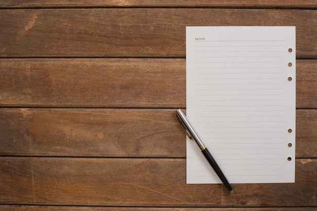 Лист ноутбук с ручкой
