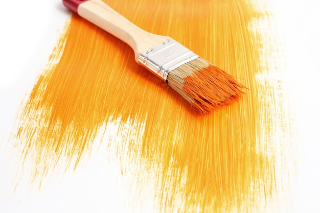 Paint brush with liquid paint