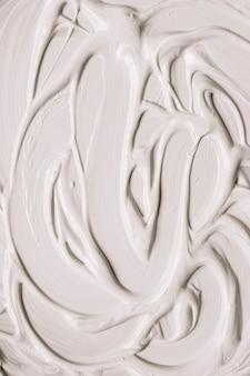 매끄러운 표면을 가진 흰색 페인트