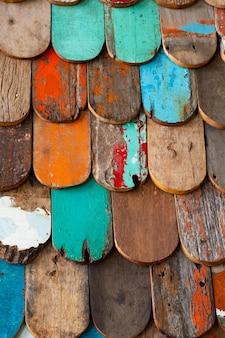 오래 된 나무와 판자 벽 질감 배경을 그린