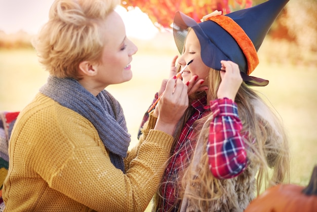 Painting face for halloween party