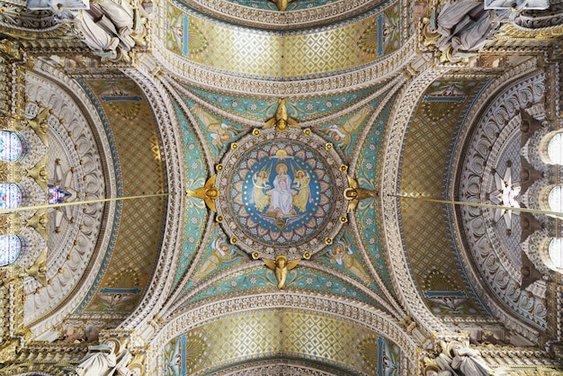 Картины и детали базилики нотр-дам-де-фурвьер, лион