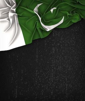 텍스트를위한 공간으로 그런 지 검은 칠판에 파키스탄 국기 빈티지