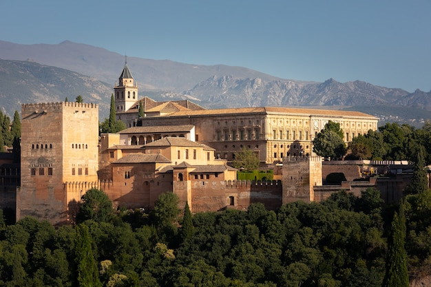 スペインのアンダルシアからグラナダ地区にある宮殿と要塞