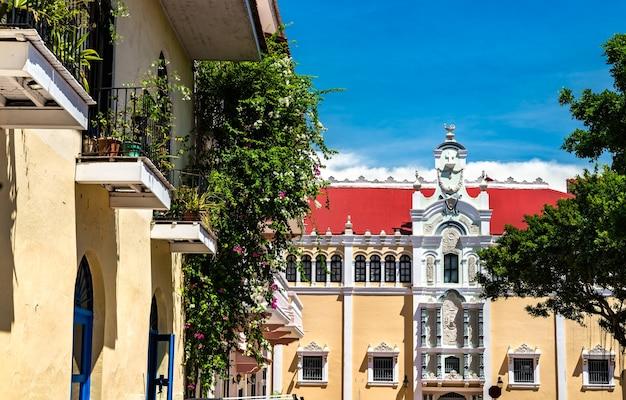 Паласио боливар в каско вьехо, историческом районе панама-сити в центральной америке