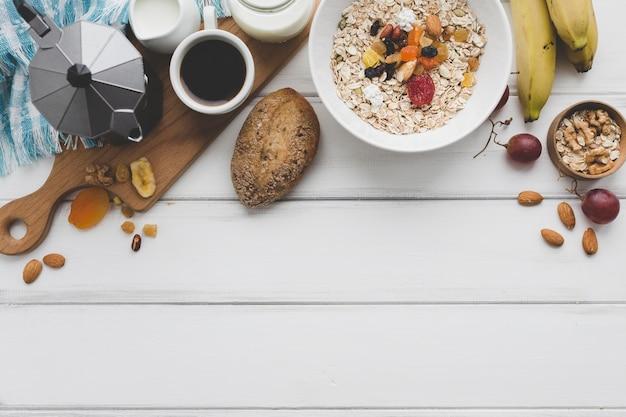 Походная еда на завтрак Бесплатные Фотографии