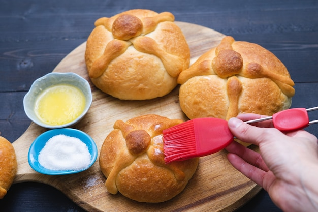 Pan de muerto day of the dead mexican holiday copy space typical mexican food Premium Photo