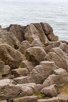 Pancake rocks 파파 로아 국립 공원의 기괴한 절벽 뉴질랜드 남섬