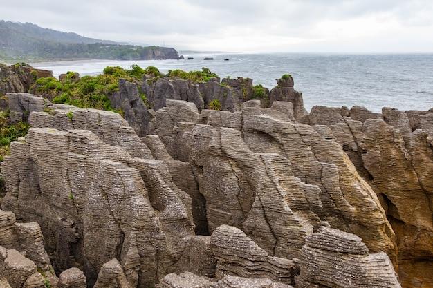 팬케이크 바위 돌 동굴 파파 로아 국립 공원 뉴질랜드 남섬