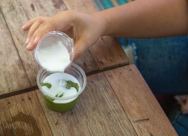 Pandan coconut sweets puddingは古代タイのデザートです。