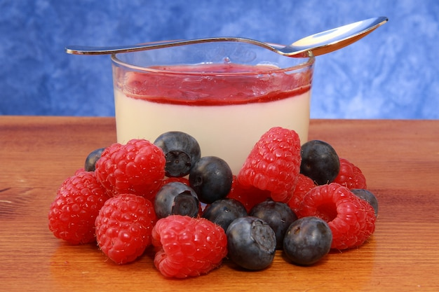 Pannacotta with berries