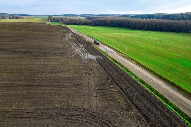 農民の畑のパノラマ