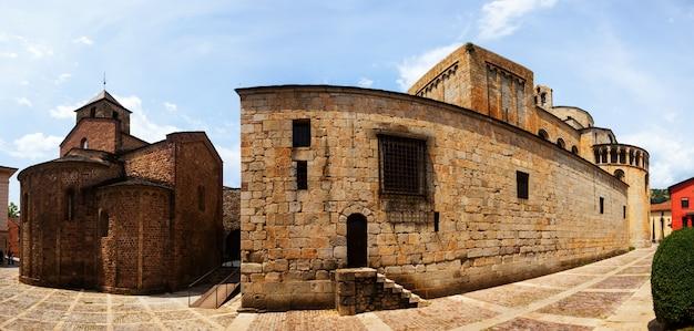 Santa maria d&#39;urgellの大聖堂のパノラマ