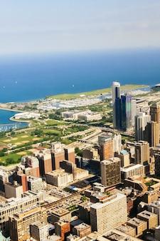 미국 일리노이 주 고층 빌딩인 미시간 호수 근처 높이에서 시카고의 파노라마